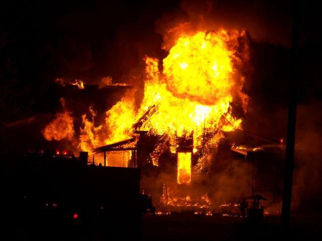 Folsom-Jonesville Rd house fire